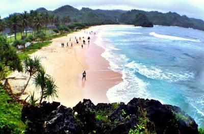 Pantai Srau dengan 3 keindahan pantai