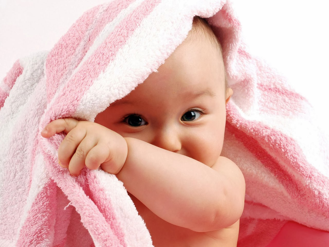 http://www.funmag.org/pictures-mag/cute-babies/cute-babies-walllpapers-12-photos/