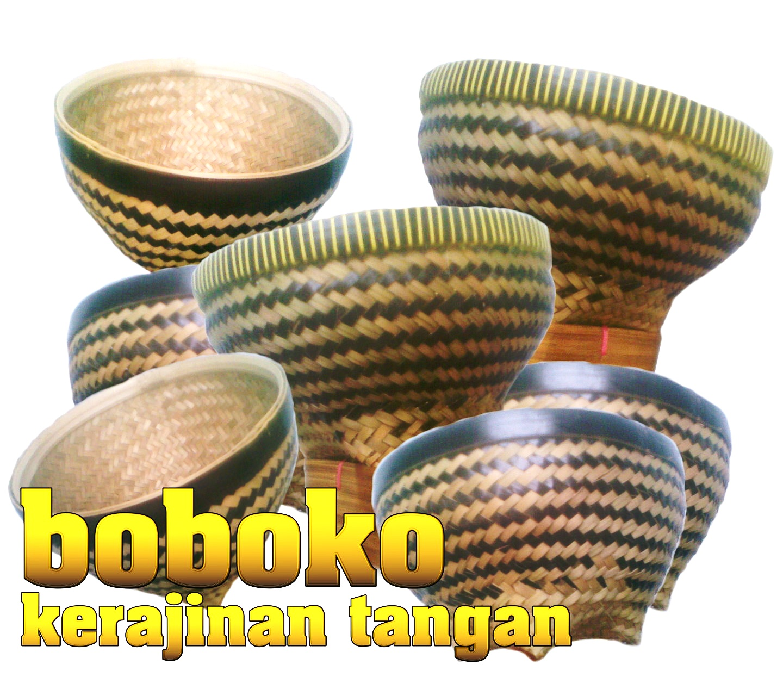 boboko merupakan kerajinan tangan yang terbuat dari bambu di gunakan