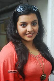 Divya-Nagesh