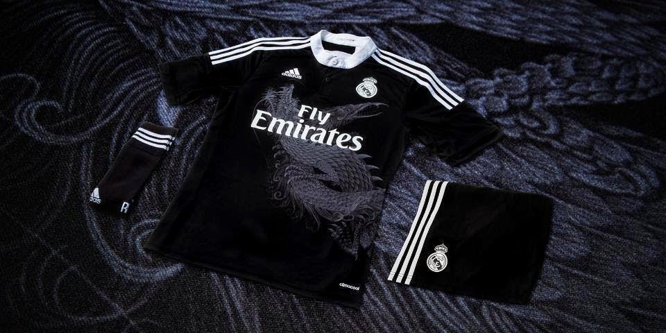 Nueva camiseta alternativa del Real Madrid para la temporada 2014 15 ... a273f069fb637