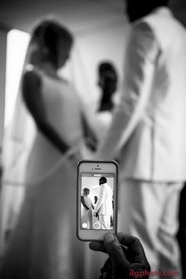 mariés en noir et lanc mariage en Guadeloupe Grande Terre