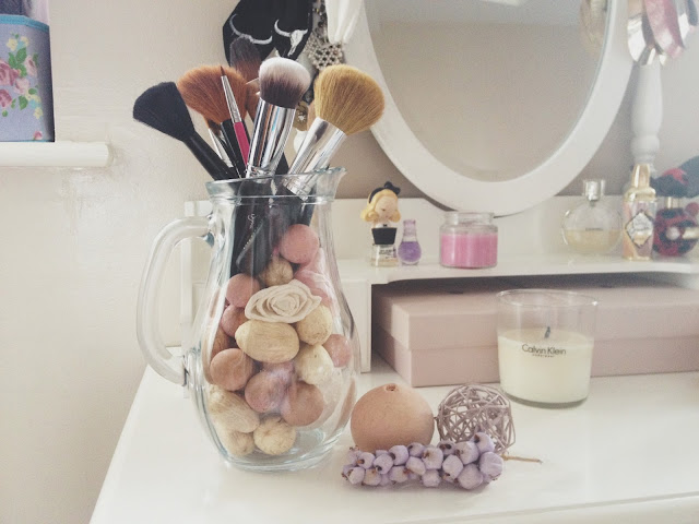 DIY, DIY Makeup Brush Holder, Do It Yourself, beauty, storage