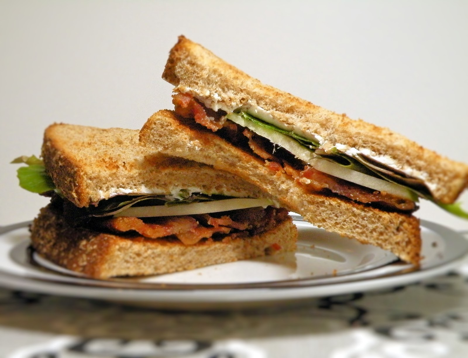 ... Bits: Bacon, Lettuce & Granny Smith Apple Sandwiches with Goat Cheese