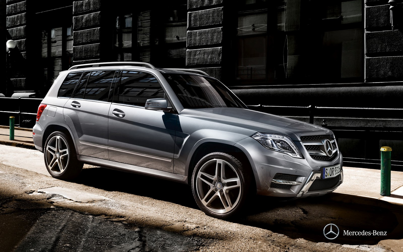 our dream cars 2013 mercedes benz glk class. Black Bedroom Furniture Sets. Home Design Ideas