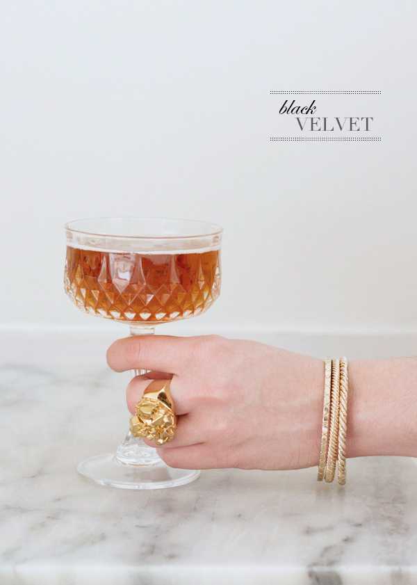 How to make a Black Velvet, a delicious beer and champagne cocktail