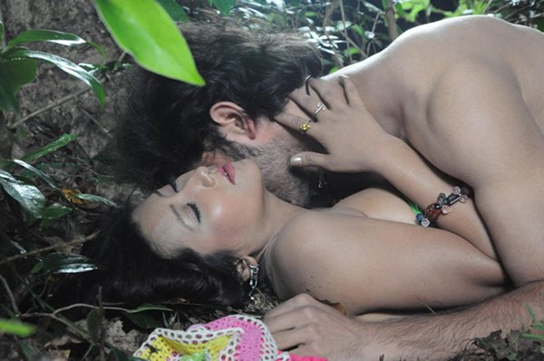 hot love scene in jungle