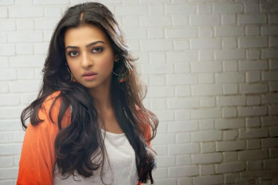 radhika apte image