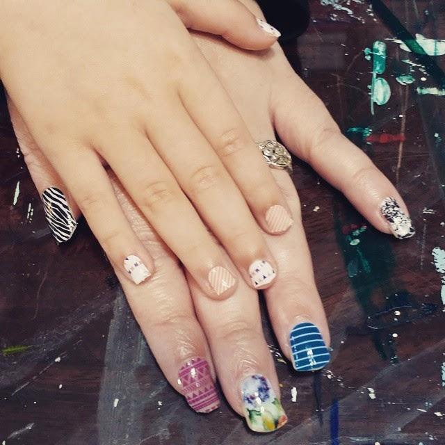 MessyJessyCreatesArt: oooh my! Love me some Jamberry nail wraps!
