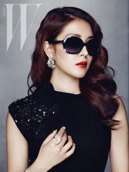 BoA W Korea Magazine 02