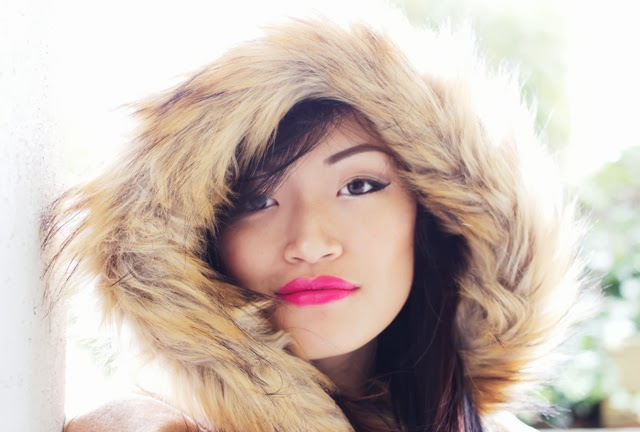 vancouver blogger jasmine zhu for posing in vintage wearing romwe faux fur hooded cape