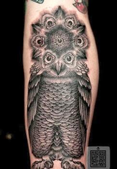 Fotos e ideias de tatuagens masculinas de coruja
