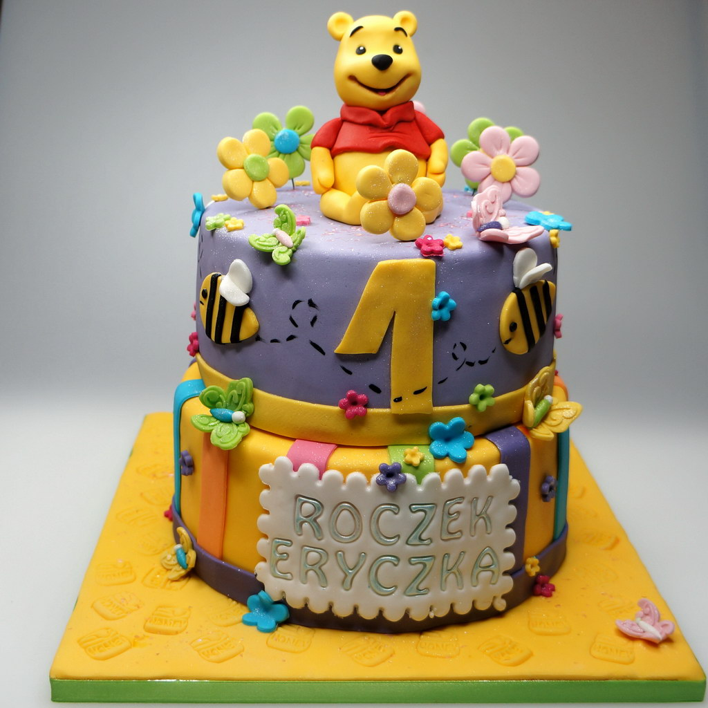 Cake Design Winnie Pooh : Birthday Cakes in London and Surrey