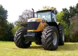 TRACTOR MT500B - CHALLENGER