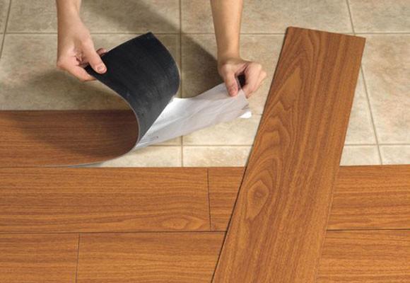 Que piso elegir madera laminado o cer mico for Precio de loseta ceramica