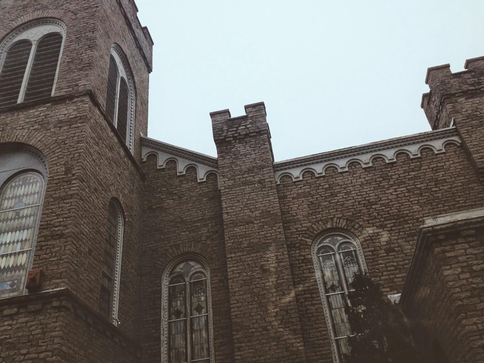 old church in Niagara Falls