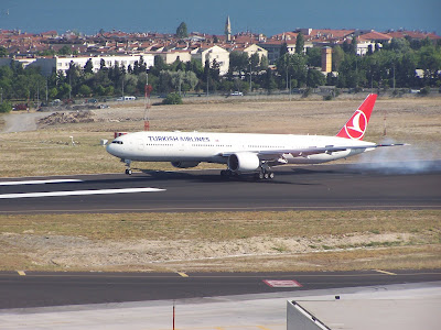 THY Turkish Airlines Boeing 777