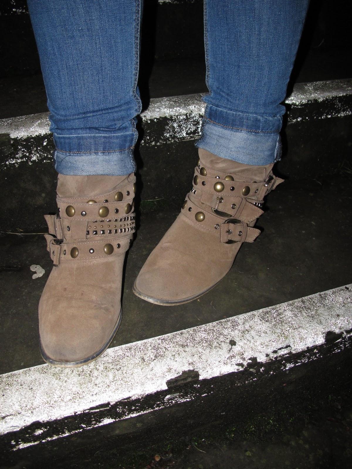 http://2.bp.blogspot.com/-DWmg2_Ddjek/UIPJTtUm0sI/AAAAAAAAAQk/mbFhSbB-i9I/s1600/boots.jpg