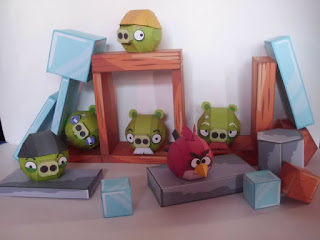 Angry Birds - Small Pig Set Papercraft Free