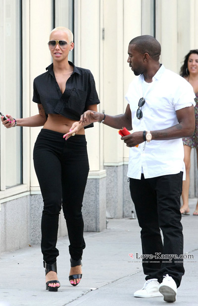 http://2.bp.blogspot.com/-DX3fP5p_sxg/Trf52P85xmI/AAAAAAAAF9A/FhZkXfEc4bc/s1600/Kanye-West-and-Amber-Rose4.jpg