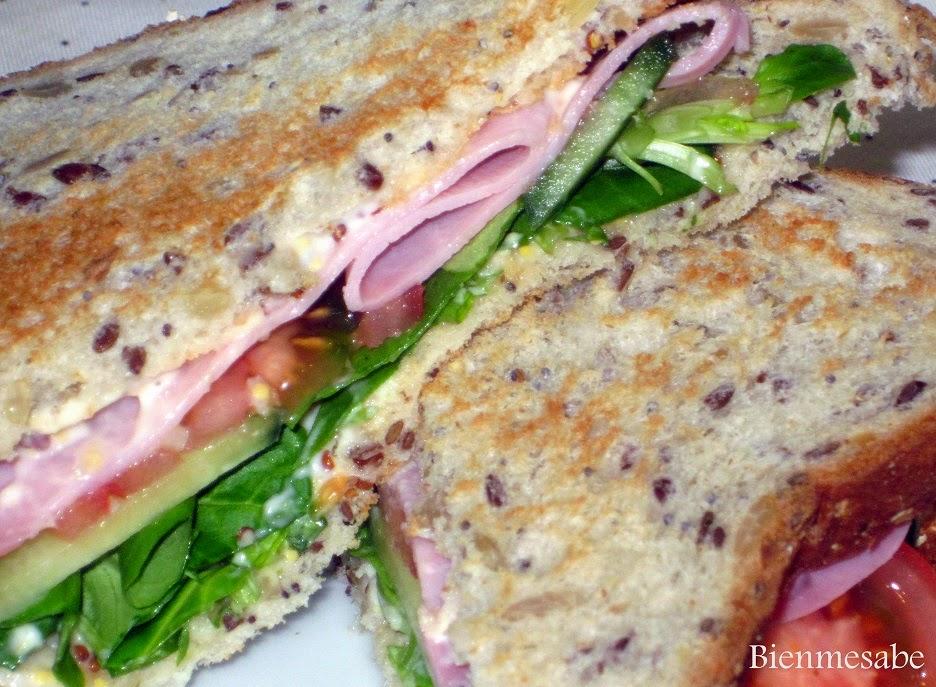 sandwich de jamon y pepino