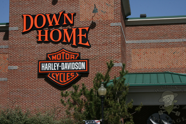 down home harley-davidson mda bike show - riding vintage