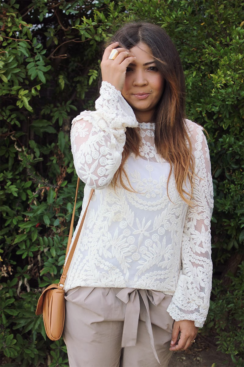 crochet lace top, kapsule boutique, nude block heels, ootd, ombre curls, gold midi rings, fashion blogger cape town