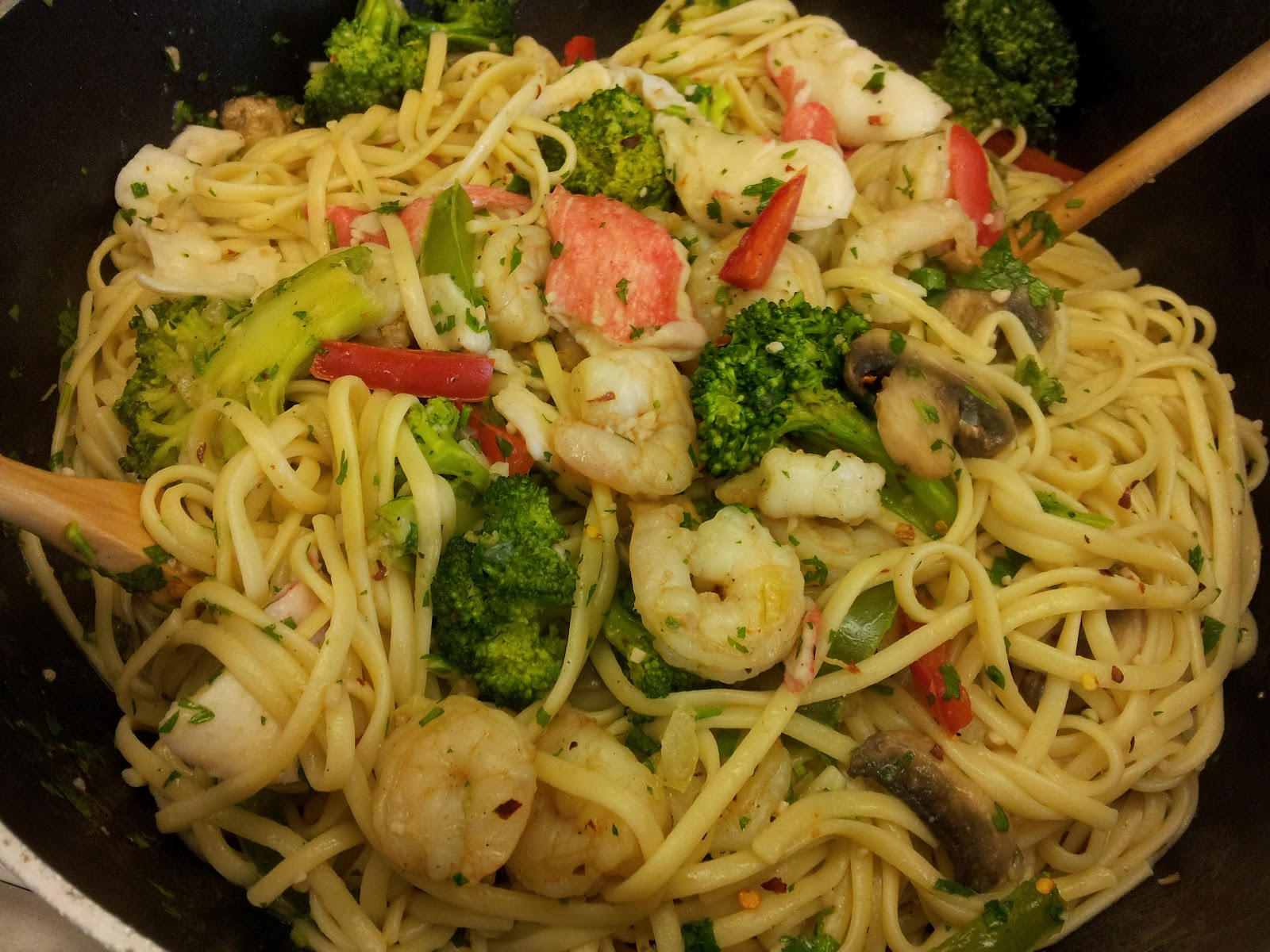 GoRedChef: Journey Of A Foodie Fool: Shrimp Scampi Pasta