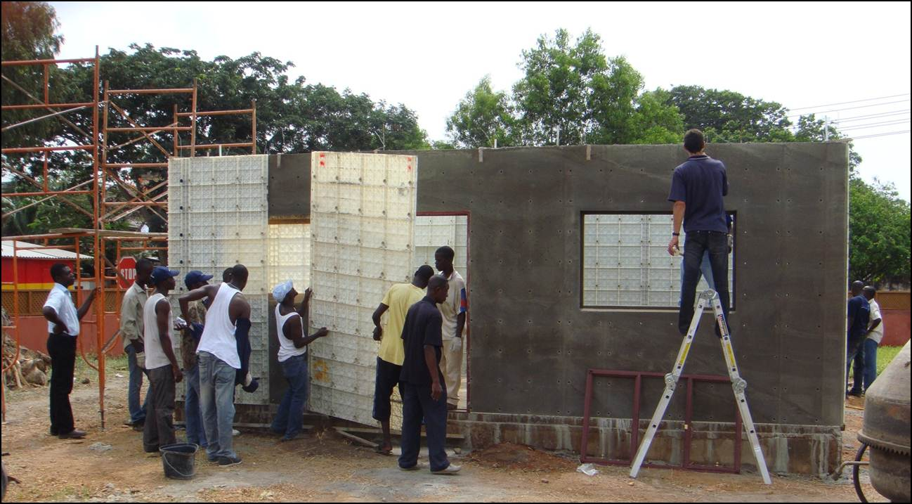 Acc s aux personnes faible revenu en afrique maisons for Cost to build a house in wisconsin