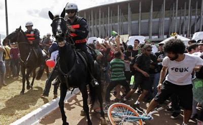 Protesto em Brasília - Um Asno