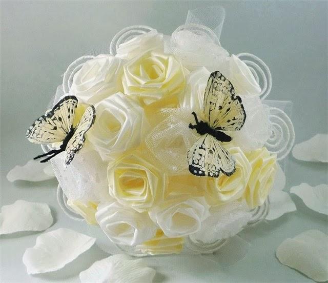 Квіти зі стрічок своїми руками - текстильна флористика ~ Краса та ... a88d8cb7cfc2c