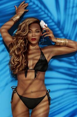 Beyoncé, pose pour H&M  en bikini