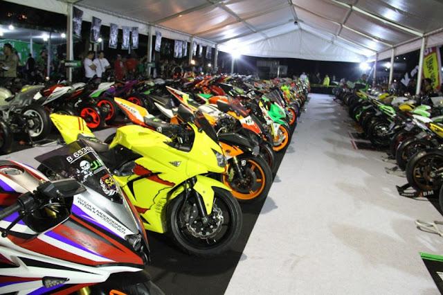 gambar-kumpulan-modifikasi-kawasaki-motor-kontes-2012
