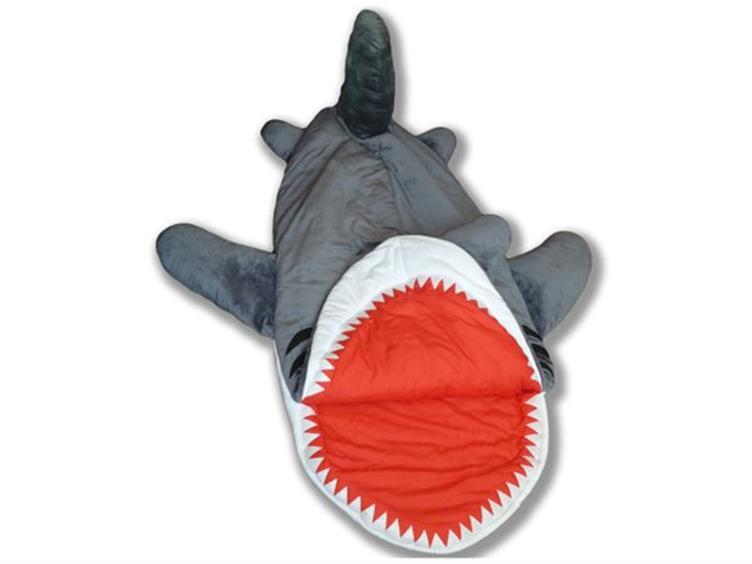 Super Punch: Shark sleeping bag
