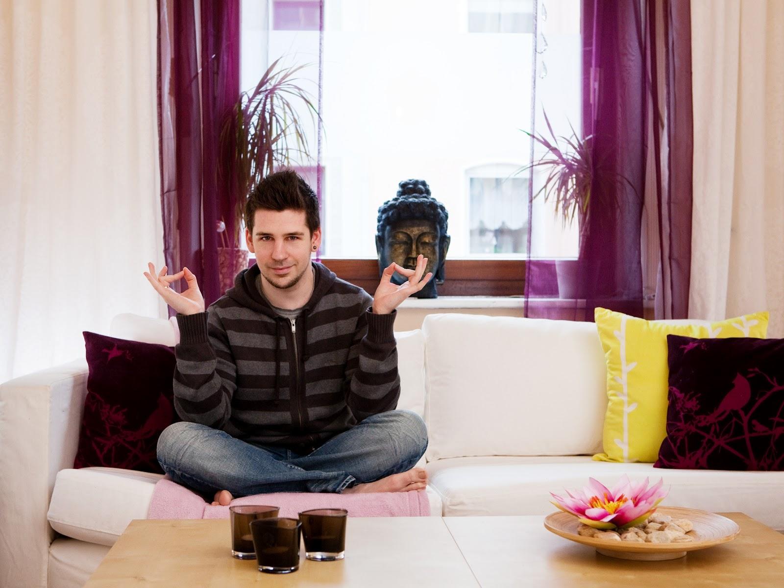 bastian der wohnprinz wohnblogger im videoformat ich liebe mein sofa ikea karlstad. Black Bedroom Furniture Sets. Home Design Ideas