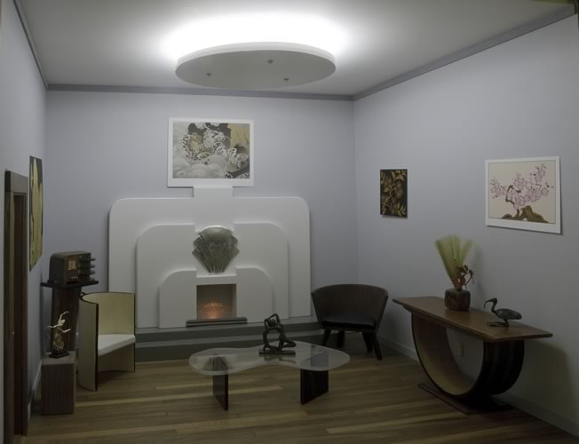 Modern mini houses for Original art deco interiors
