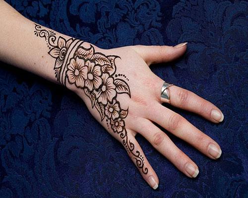SIMPLE ART OF HENNA