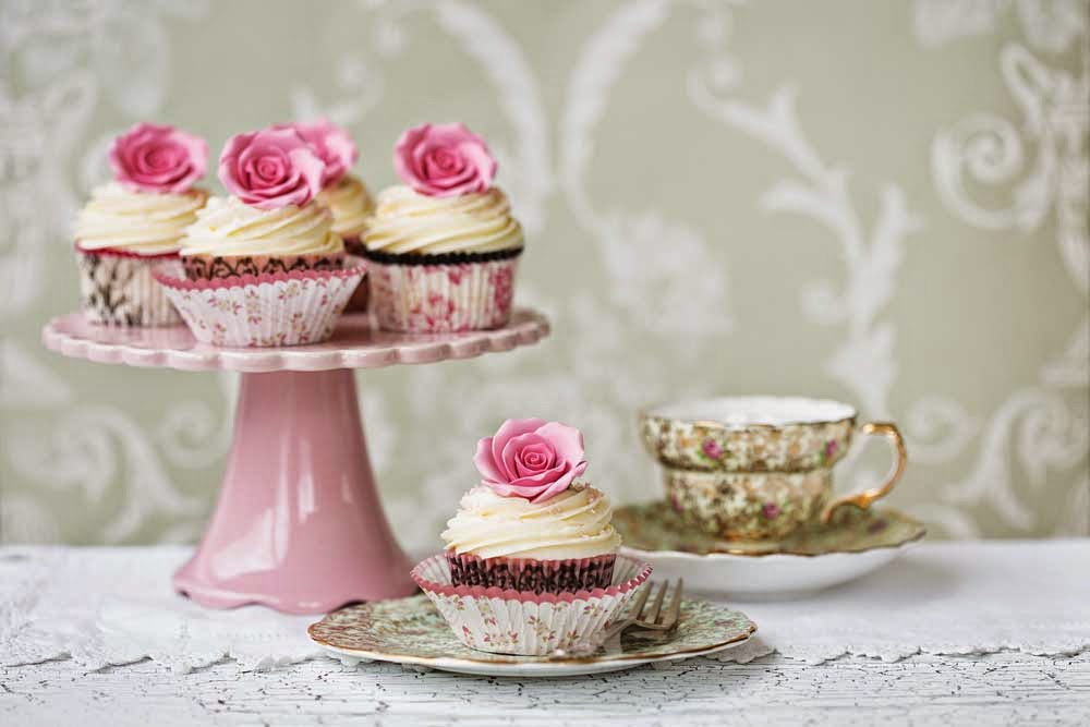 cupcakes and china tea cups