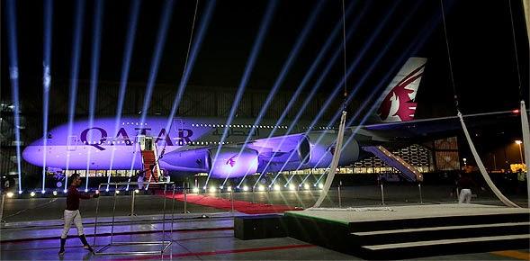 Qatar Airways A38 Petama Kalinya Mendarat di Doha