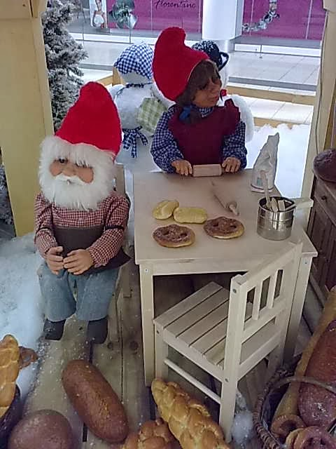 Backen in der Weihnachtszeit ist eine schöne Beschäftigung.