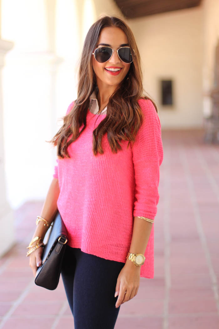 dex knit sweater, pink sweater, lysse leggings, denim leggings, black clutch, ray ban sunglasses