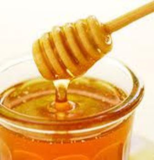 Cara menghilangkan bekas jerawat dengan madu