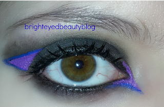 Bright Graphic Eyeliner Smoky Eye Look