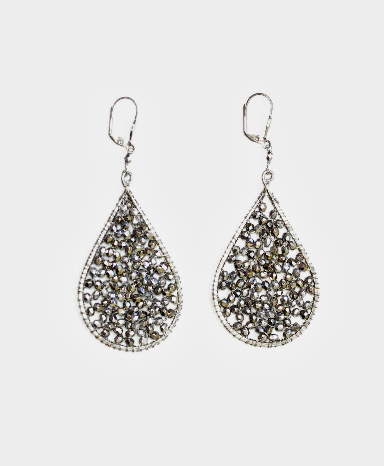 http://www.katemcnatt.noondaycollection.com/earrings/water-drop-prism-earrings