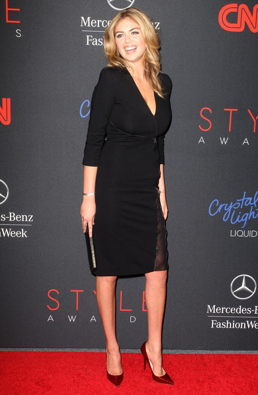 Celebrity Fashion At The 2013 Style Awards In Nyc