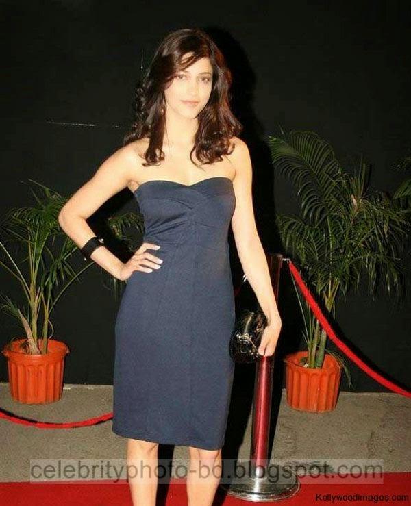 Actress%2BShruthi%2BHaasan%2BHot%2BBoobs%2BShow%2BPhotos%2BIn%2BTight%2BMini%2BSkirt004