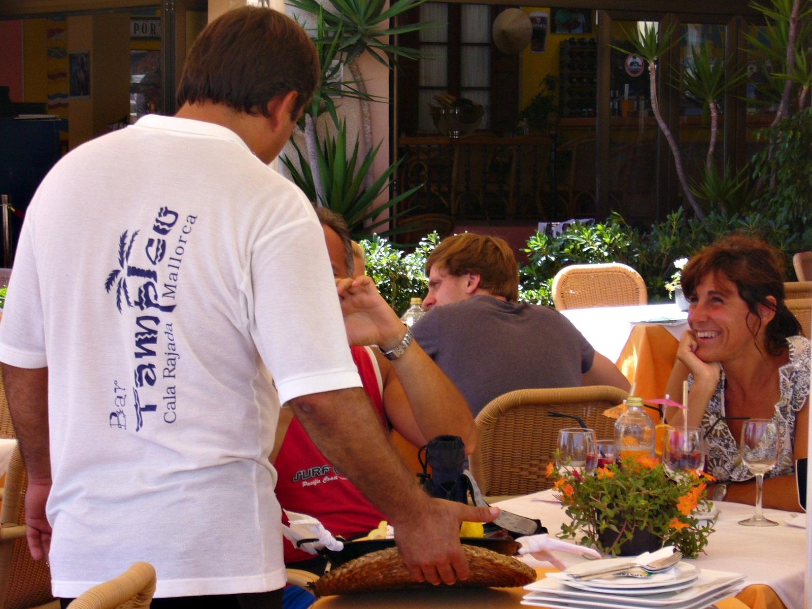 Restaurante en cala rajada tampico mallorca for Restaurante terraza de la 96 barranquilla
