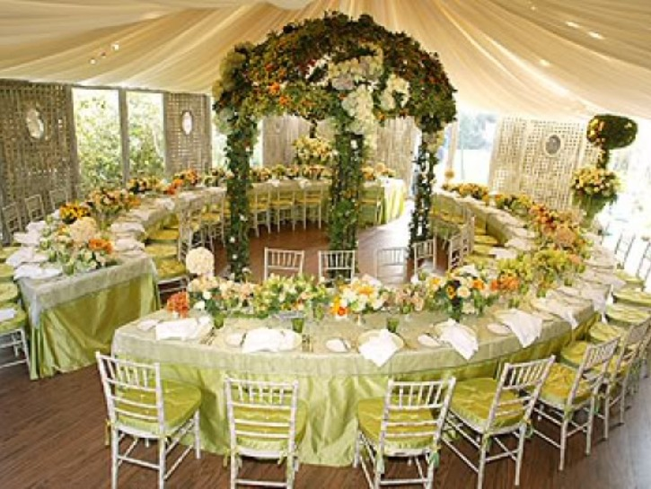 Weddingzilla photo essays wedding ideas for Small wedding reception decorations
