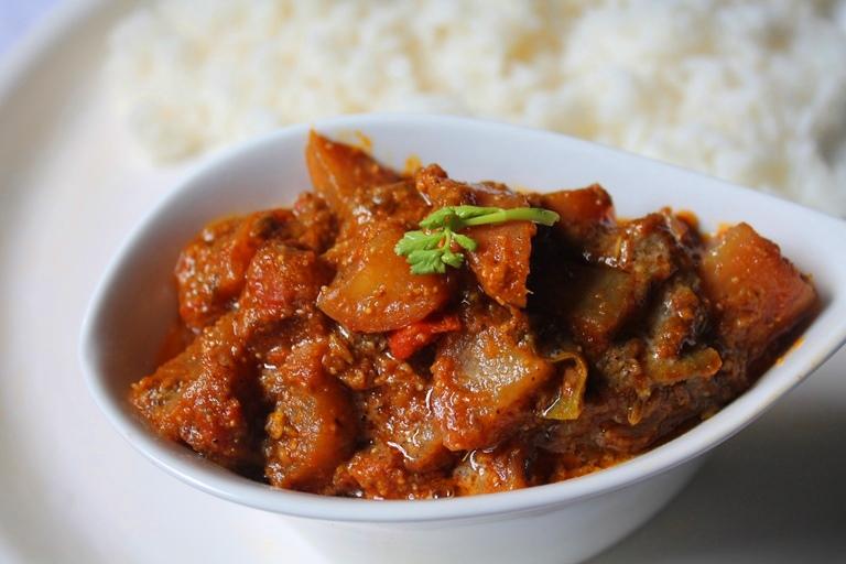 Radish Capsicum Masala Recipe / Radish Masala Curry Recipe