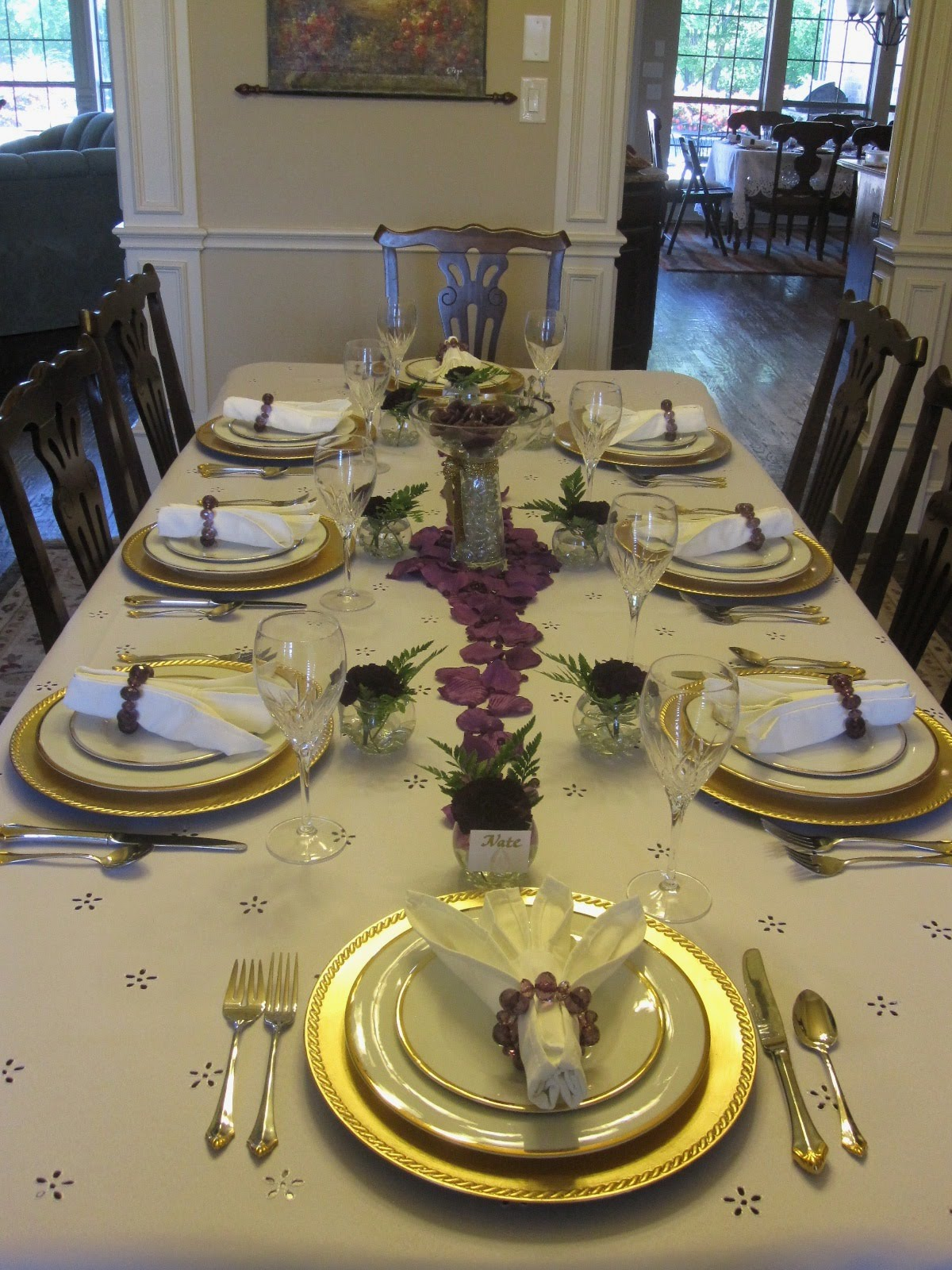 Creative hospitality decorative dinner table setting ideas for Fancy dinner table